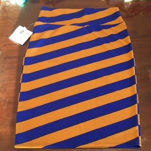 M LuLaRoe Cassie Skirt B06 12